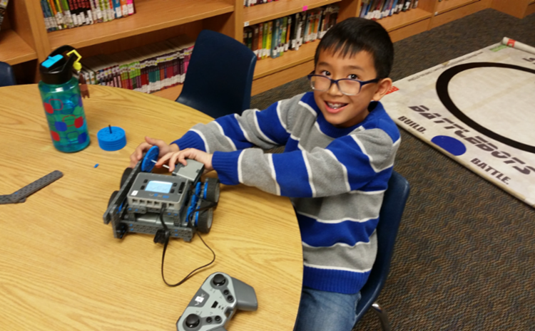 Warren Scholars Use Drones to Pilot New Creations! - article thumnail image